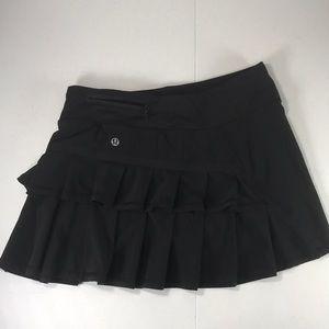 Lululemon black tennis skirt size 4